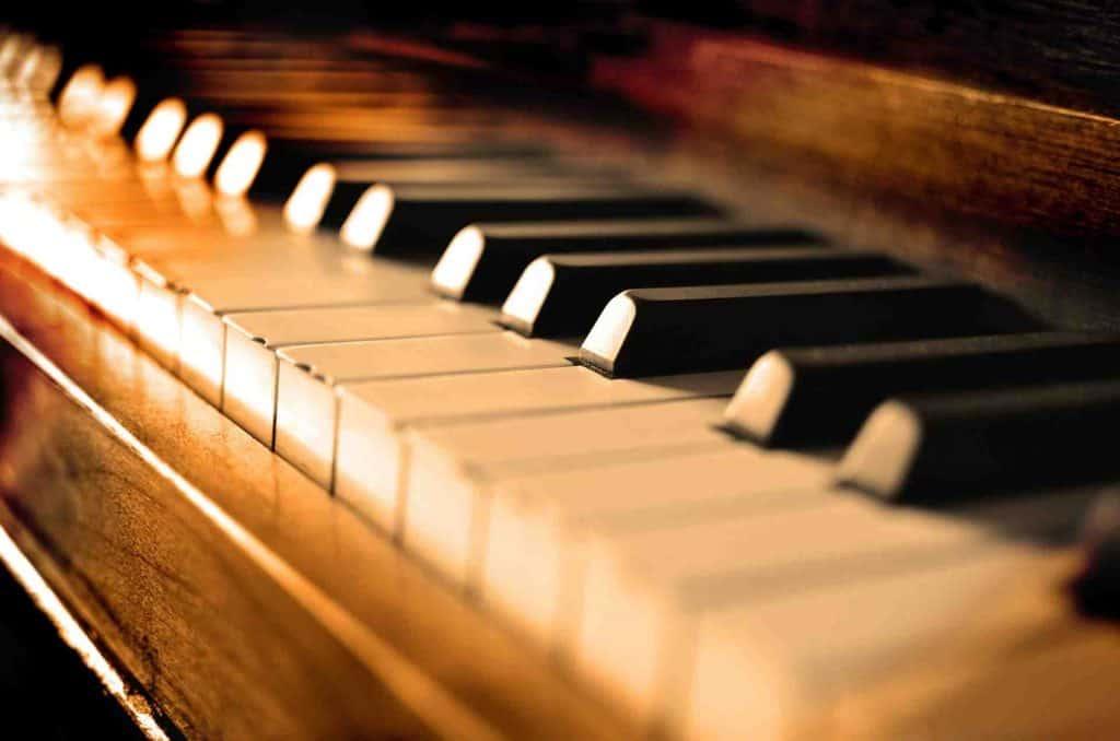 piano y teclado
